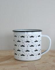taza metalica moustache